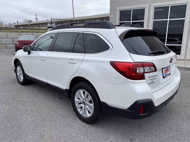 2018 Outback SUV 6